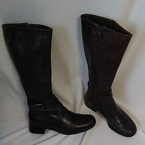La Canadienne knee high boots